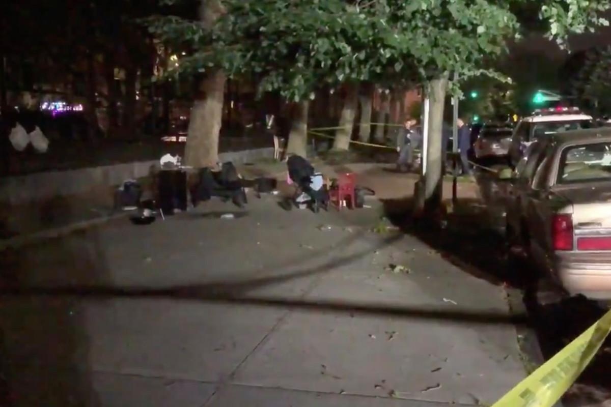 1-jarige jongen tussen vier mensen neergeschoten buiten Brooklyn park