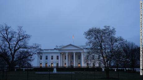 Hoe het Witte Huis zijn calculus veranderde bij de uitbraak van het coronavirus