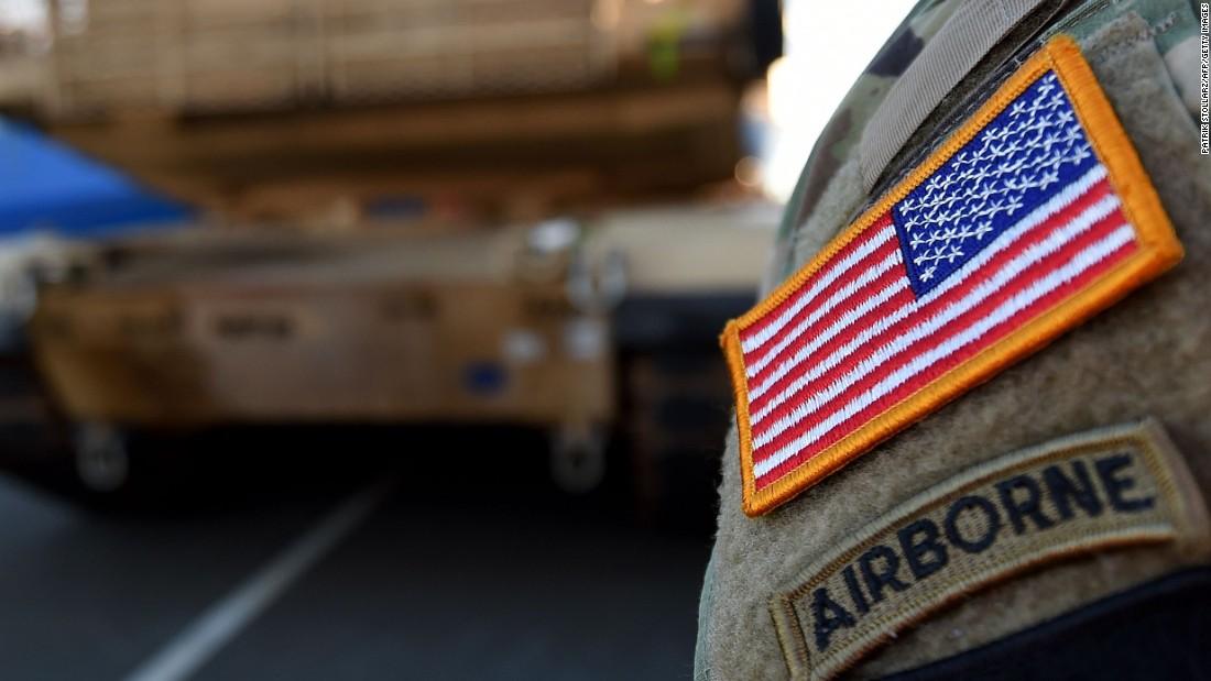 De VS trekken bijna 12.000 troepen uit Duitsland terug die miljarden en jaren zullen kosten