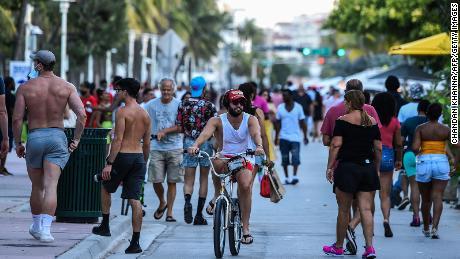 Florida heeft meer Covid-19 dan de meeste landen ter wereld. Deze statistieken laten zien hoe ernstig het probleem is