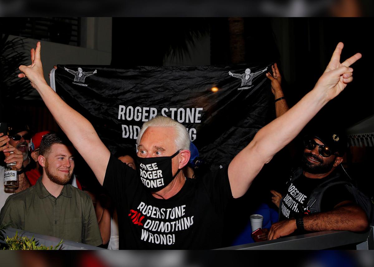 Roger Stone 'dankbaar' Trump zette zijn gevangenisstraf om