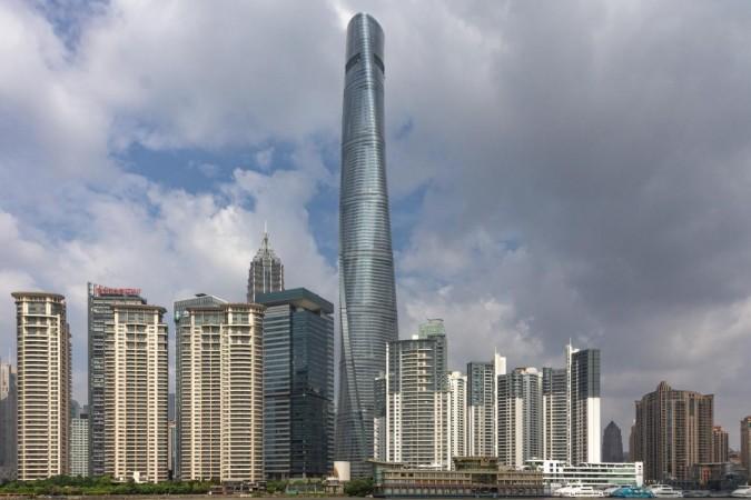 Shanghai Tower lekt; wereld lacht