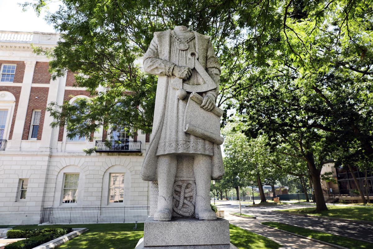 Standbeelden van Christopher Columbus vernietigd tijdens het weekend van 4 juli