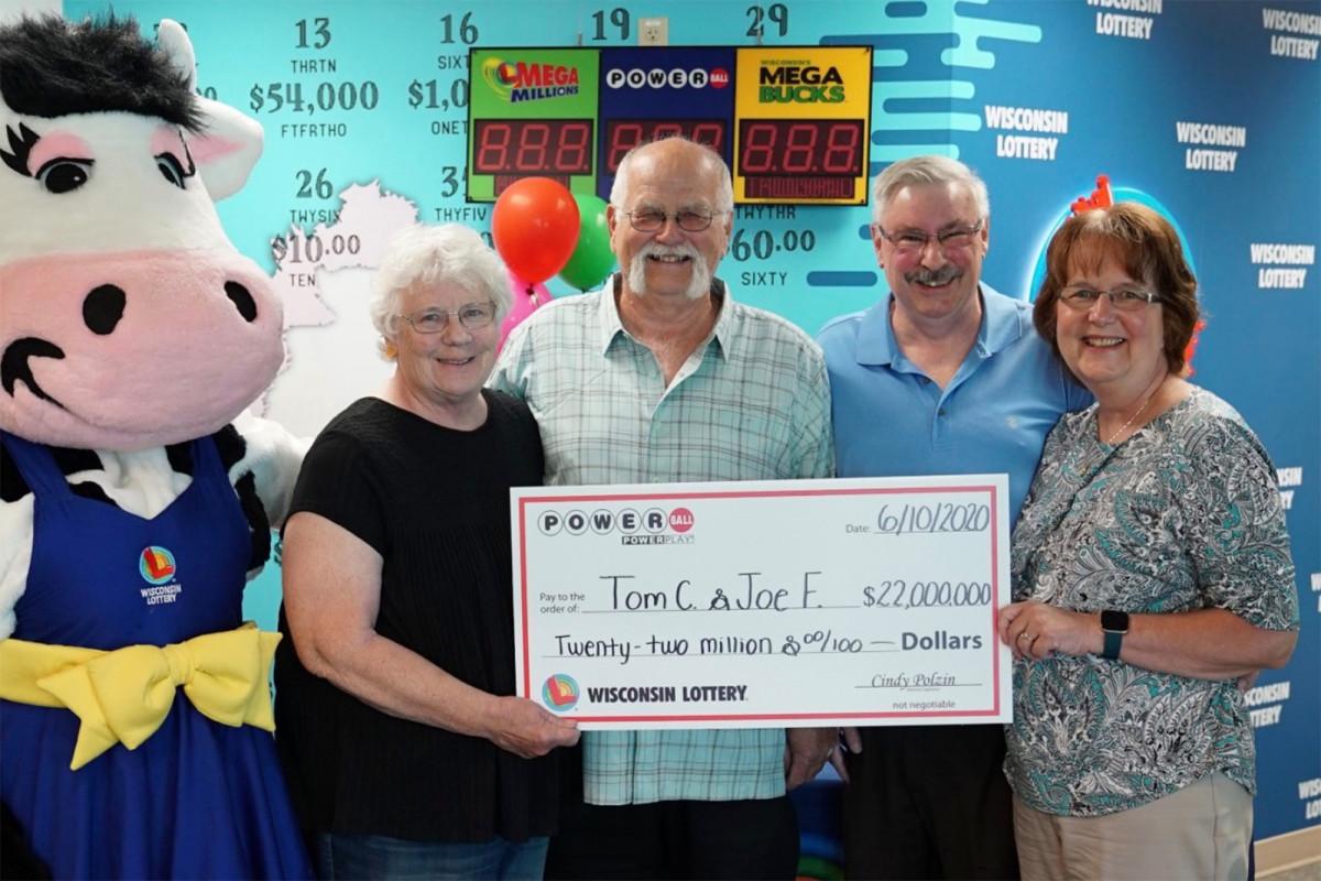 Winnaar van de loterij deelt de prijs van $ 22 miljoen met zijn beste vriend