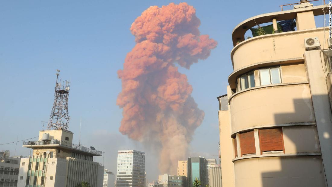 Beiroet-explosie: grote explosie in de buurt van haven schommelt de Libanese hoofdstad