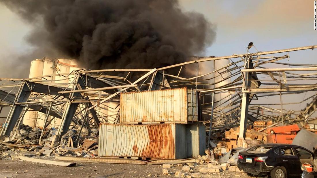 De explosie in Beiroet doet de hoofdstad van Libanon schommelen: live updates
