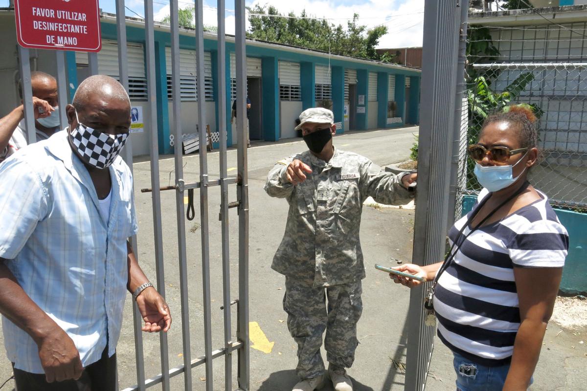 Puerto Rico schorst de primaire stemming in centra zonder stembiljetten