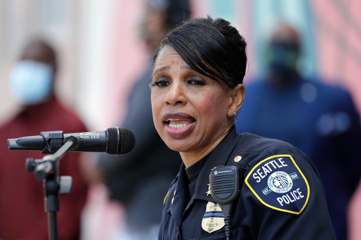De politiechef van Seattle neemt ontslag na bezuinigingen op de afdeling