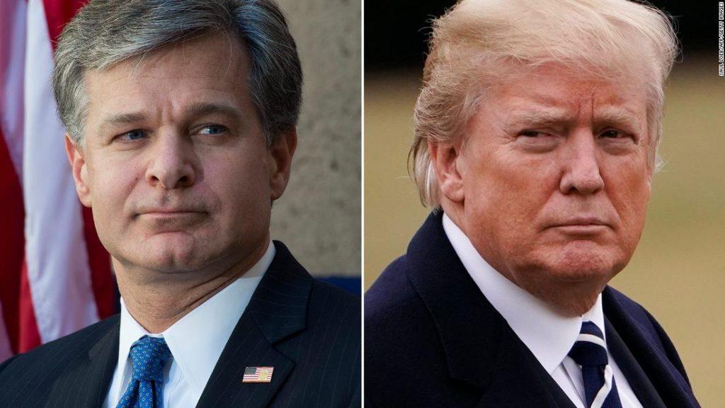 Trump gaat achter FBI-directeur Wray aan, die hij heeft benoemd, en waarschuwt Barr