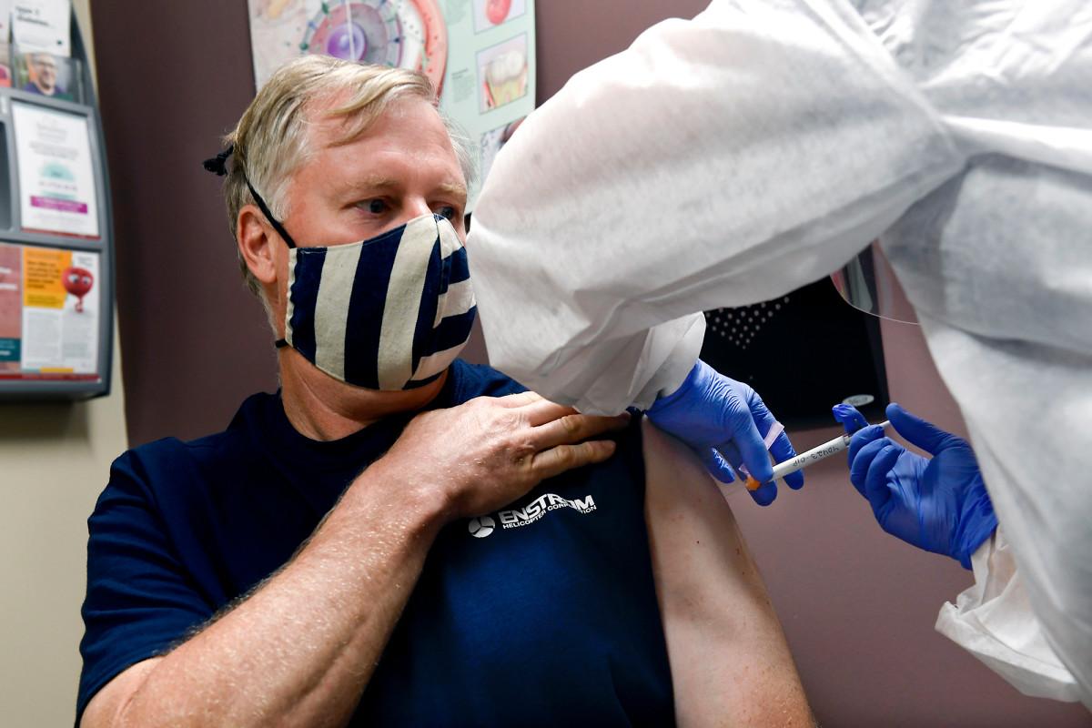 De FBI wil gratis coronavirusvaccins weggeven