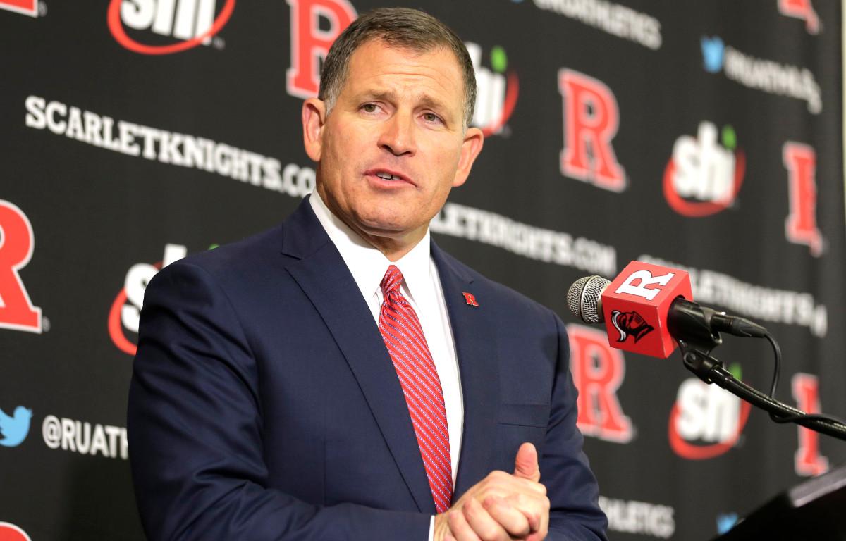 Greg Schiano lijkt de onderbreking van het coronavirus in het voordeel van Rutgers te gebruiken