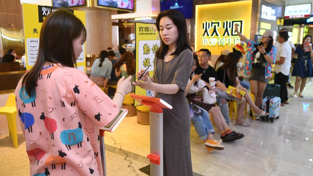 Een restaurantketen in China woog gasten om te bepalen hoeveel voedsel ze moesten eten
