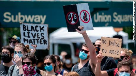 Demonstranten bezetten Union Square in New York City op 6 juni 2020.