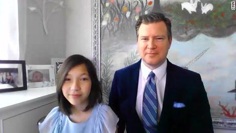 Een 12-jarig meisje heeft een hartstilstand overleefd. Artsen zeggen dat ze Covid-19 en een Kawasaki-achtige ziekte heeft
