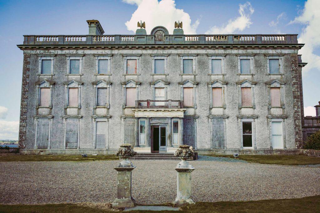 Het meest spookachtige herenhuis van Ierland waar 'de duivel' woonde, is te koop