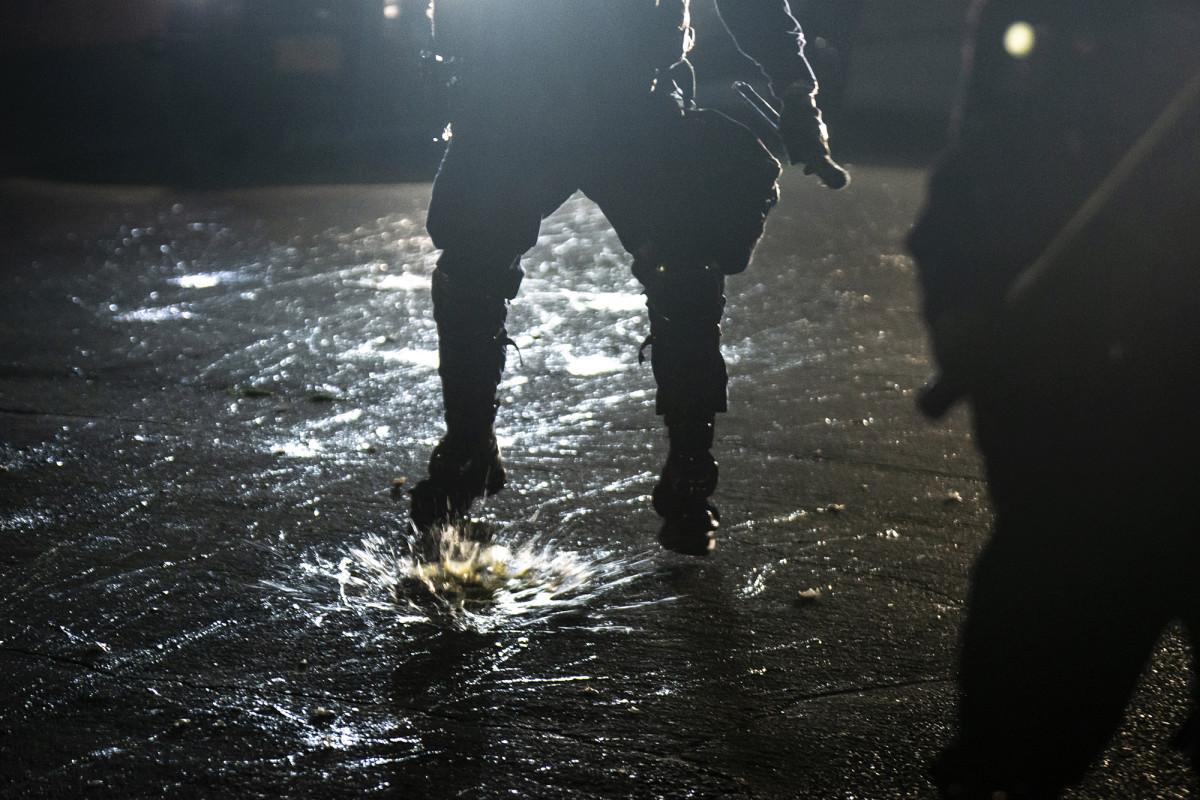 Politieagenten uit Portland zeggen dat ze werden bekogeld met kogellagers, golfballen
