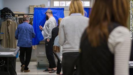 De plannen voor het kijken naar de peilingen van de Trump-campagne wekken de vrees voor onderdrukking van kiezers